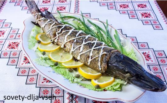 фаршированная рыба в духовке