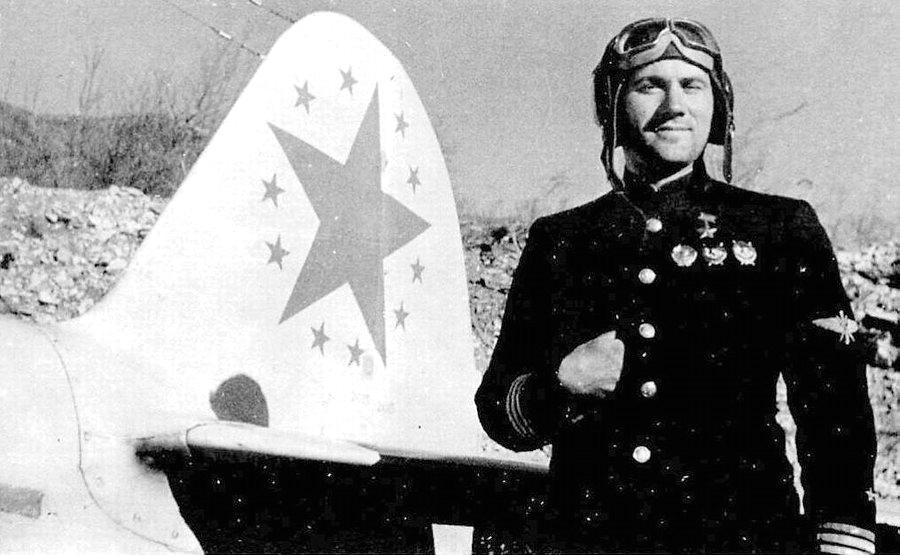 O ás soviético Kapitan Mikhail Avdeyev