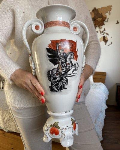 Vase Porcelaine Propagande – Pour le Pouvoir des Soviets – 1969 – Vassili Tchapaïev