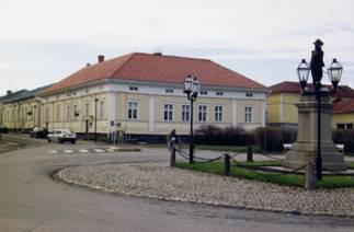 Johan Langin talo, Brahenkatu 10 ja Kirkkokatu 19.