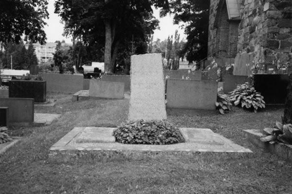 8 Kirkkonummi hauta