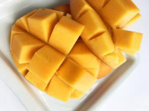 アップルマンゴーと黄色いマンゴーの違いアップルマンゴーの断面