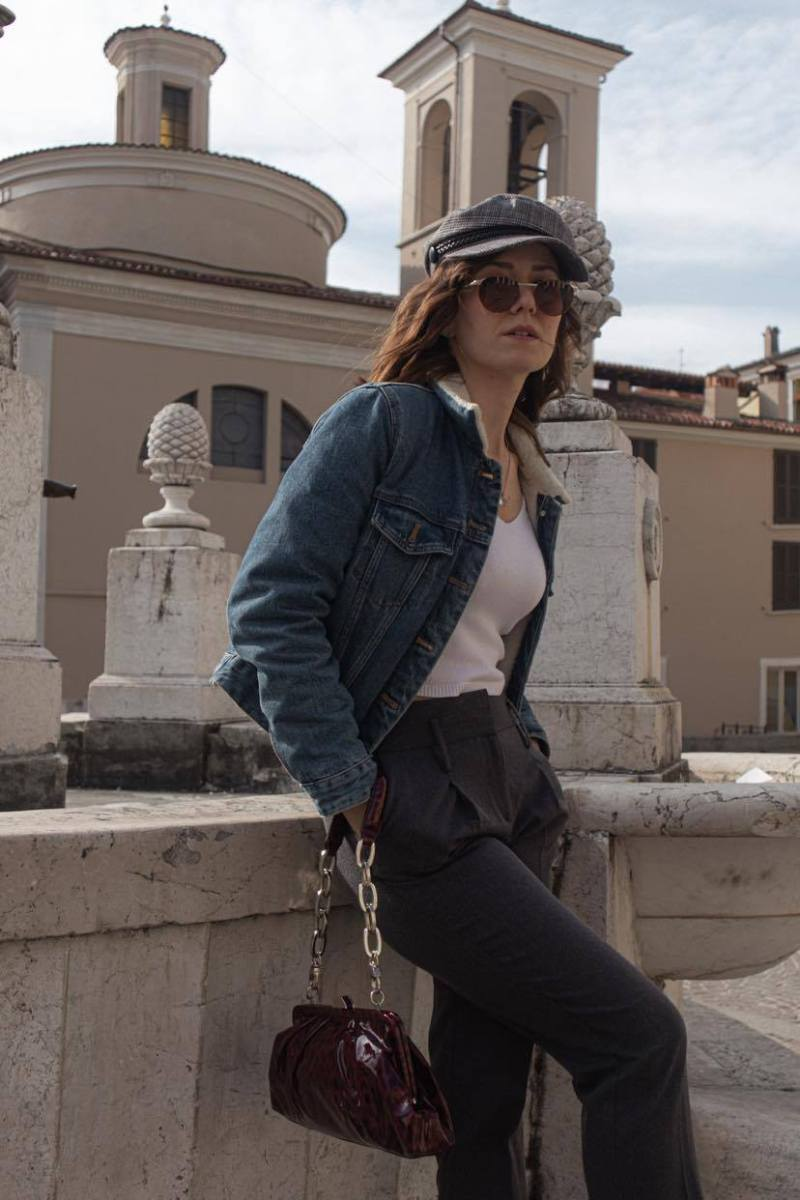 casual chic city look for women