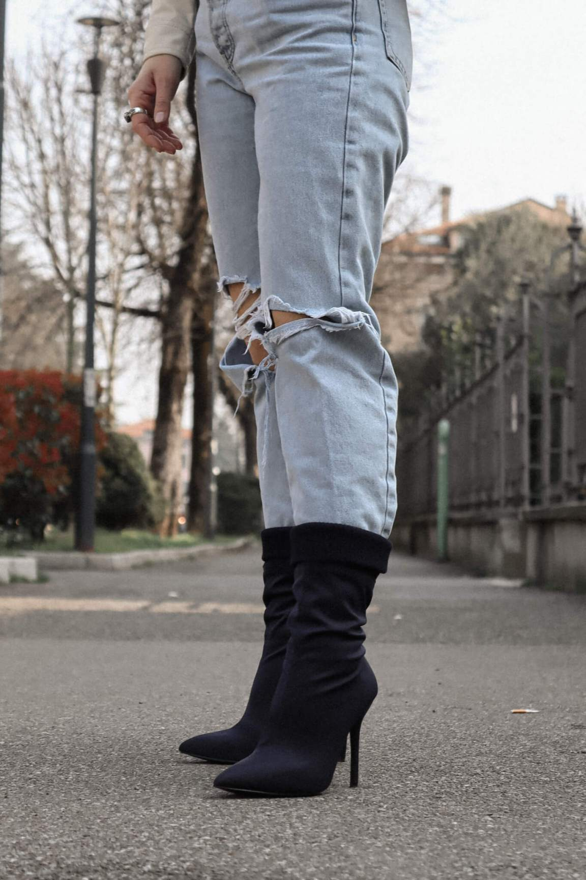 how-to-elevate-a-casual-spring-look-isabell-zanoletti-soybell-shoes