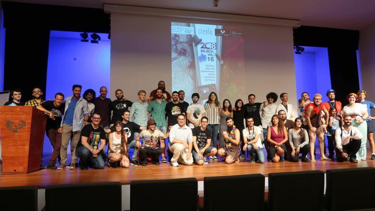 Foto de familia tras la jornada de divulgación Scenio Bilbao 2018