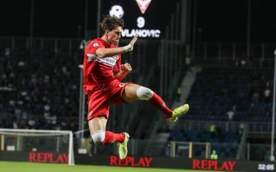 Dusan Vlahovic da la victoria a la Fiorentina con un doblete