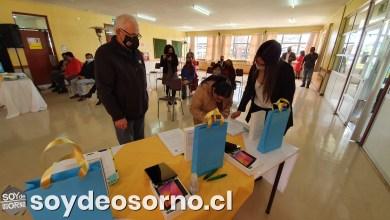 Photo of ENTREGAN TABLETS A ESTUDIANTES PARA FORTALECER EDUCACIÓN A DISTANCIA