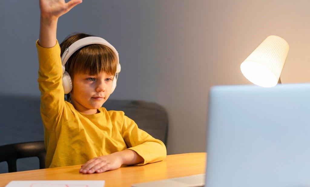 Imagen sobre motivar a mi hijo en sus clases virtuales