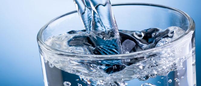 ¿Mal Aliento? Toma agua