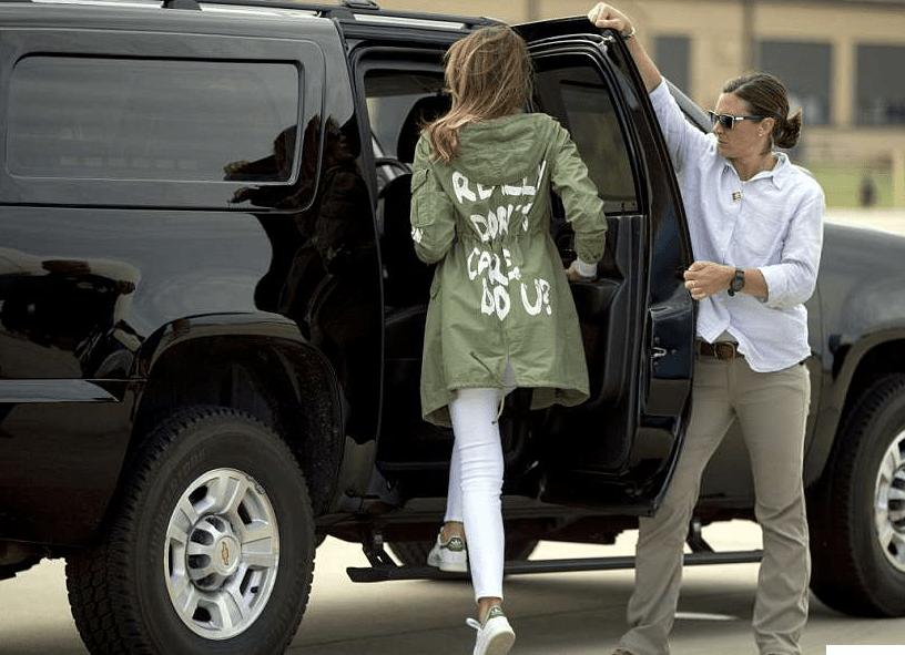 Melania Trump se puso una chaqueta con la frase 'Realmente no me importa' en su camino hacia los refugios de niños en Texas