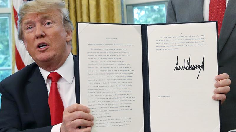 Trump no resiste la presión y pone fin a la separación de las familias migrantes