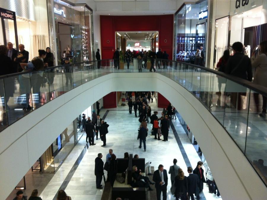 So Ouest Centre Commercial