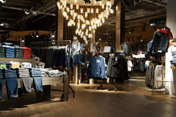 Aeroville centre commercial Tremblay - Superdry Flagship Store boutique