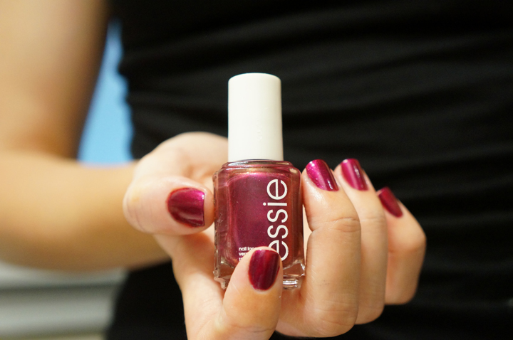 Essie the lace is on swatch for the twill of it collection fall 2013