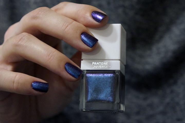 Sephora + Pantone Universe Waterfall Nailpolish Vernis swatch