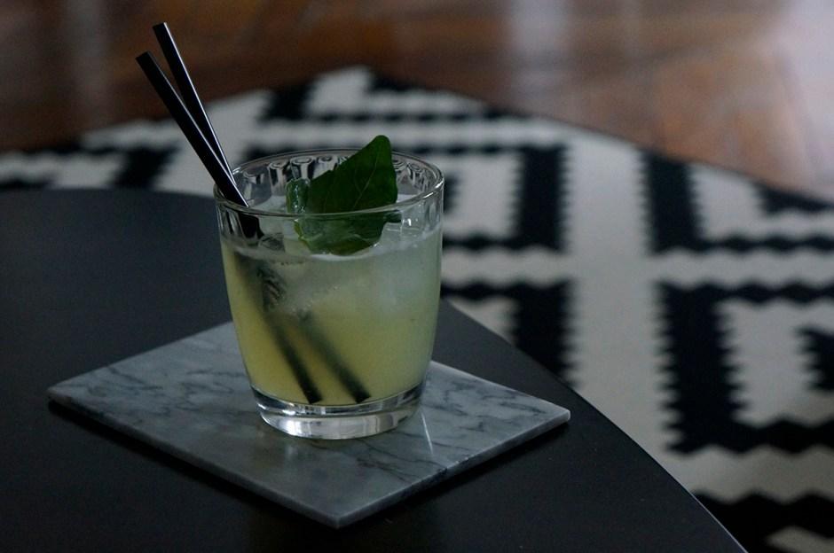 Cocktail Gin Basil Smash Pesto recette