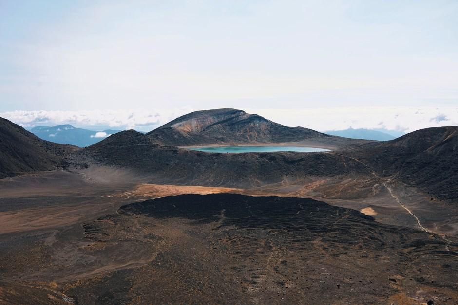 Tongariro Alpine Crossing Hike - soyons futiles blog voyage