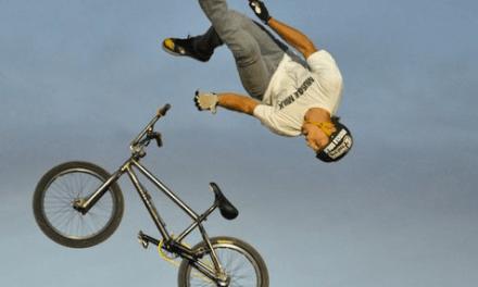 """El primer """"Special Flip"""" hecho con una bicicleta"""