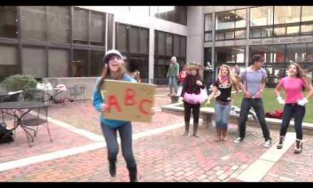 Alumnos de la Universidad de Boston graban videoclip de los Jackson 5 con un plano secuencia de 5 minutos