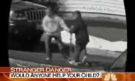 Efecto Pasota: Nadie se moja cuando ve un secuestro infantil en plena calle
