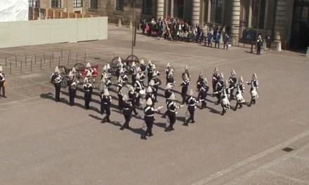 La orquesta del ejército sueco versionando a Swedish House Mafia