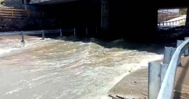 Continúa cierre en el puente del Río El Pueblito