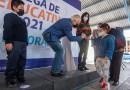 Entrega Enrique Vega apoyo de becas a estudiantes marquesinos