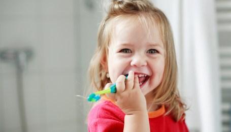 karies-molochnyh-zubov