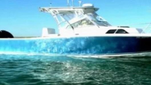 Barco Mako Cuddy desaparece com 20 pessoas no triângulo das Bermudas