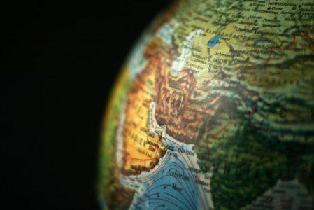 Christians Smuggle Bibles Into Iran through Business