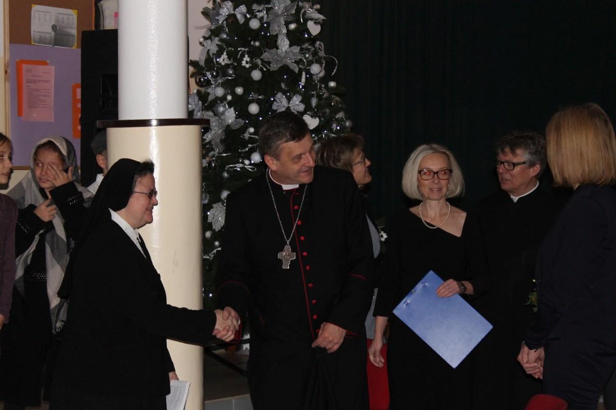 Ksiądz Biskup Roman Pindel z wizytą w naszej szkole