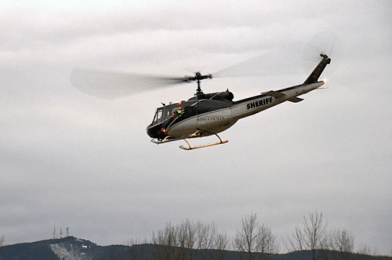 KC Sheriff helicopter searching near Mt. Si, Thursday evening, 1/3/13.  Photo:  screenshot Komo News