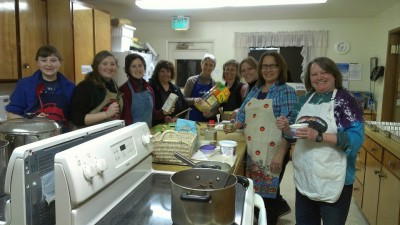 Snoqualmie Valley Women in Business preparing shelter dinner in February,  Photo: Facebook image