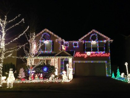 1st Annual Snoqualmie Holiday Lights contest winner,