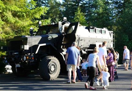 2014 Night out Against Crime event at the Snoqualmie Police Station. Photo: City of Snoqualmie