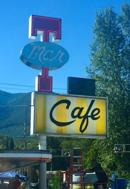 The Twede's name gone from the sign and the iconic 'RR' returned to its spot above the cafe sign. 9/10/15.