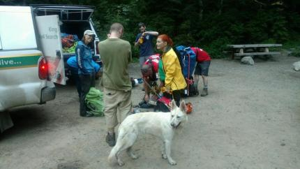 Dog who fell and became stuck on a ledge near Denny Creek successfully made it down the trail with help from SAR volunteers on 6/4/16
