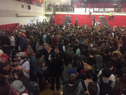 Mount Si students stood in line for 15 minutes to pay respects to our community Veterans. Photo: MSHS Facebook page