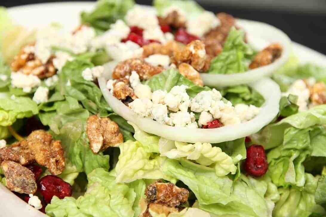 Gorgonzola Spiced Walnut Salad