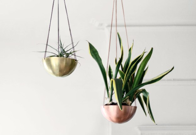 content_solid-copper-brass-hanging-planter-made-in-usa-9