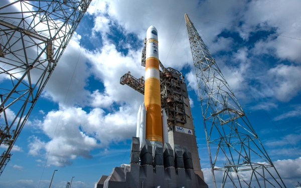 IMAGES United Launch Alliance Delta IV Rocket Set For
