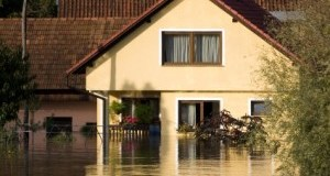 5 Tips for Walking Around Safely After a Flood