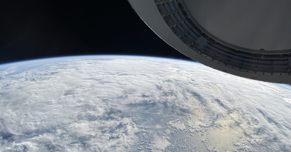 Jared Isaacman shares views from space using an iPhone thumbnail