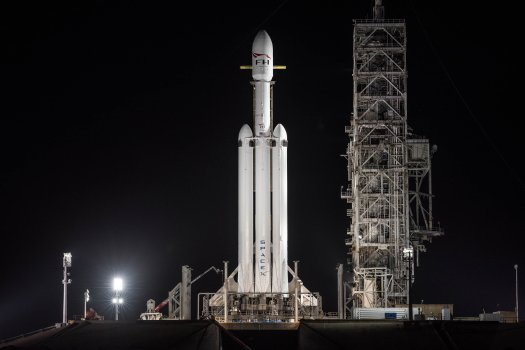 Preview: SpaceX Set to Debut Falcon Heavy Rocket via Long ...