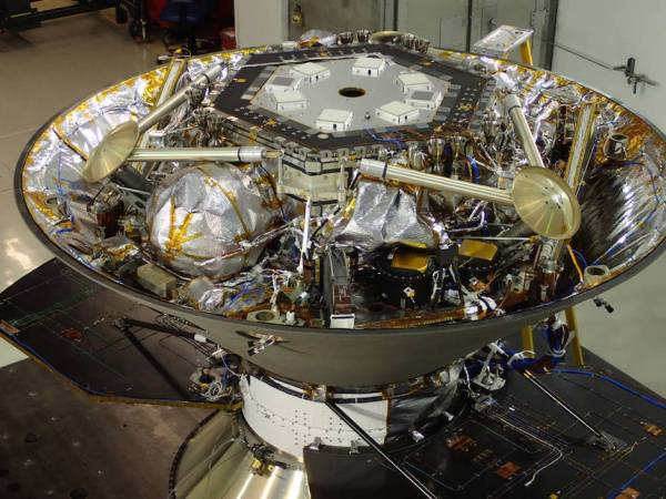InSight Mars probe escapes cancellation, reset for 2018 ...