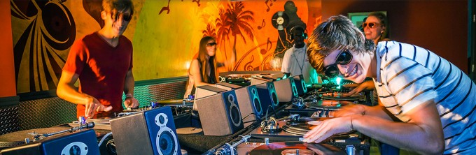 beaches resorts offer scratch dj lessons