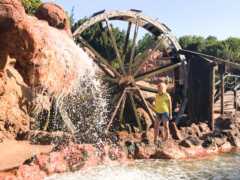 Rancho Texas Lanzarote is a great place to spend the day with children. See wild animals up close, and zoom down waterslides in the pool