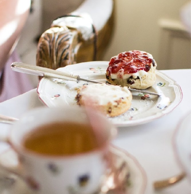 4 best spots for cream tea with the kids in south Cornwall