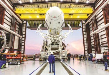 SpaceX plant, die Demo-1 Crew Dragon-Kapsel, die oben im Januar gezeigt wurde, erneut für einen Test des Abbruchsystems der Besatzung des Fahrzeugs zu verwenden, bevor die bemannte Demo-2-Mission erst im Juli geflogen wird. Bildnachweis: SpaceX