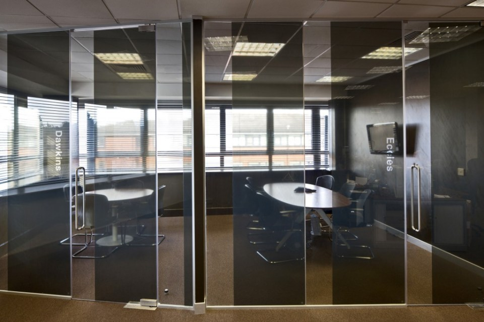 Image of Ogilvy 4D glass partition conference room